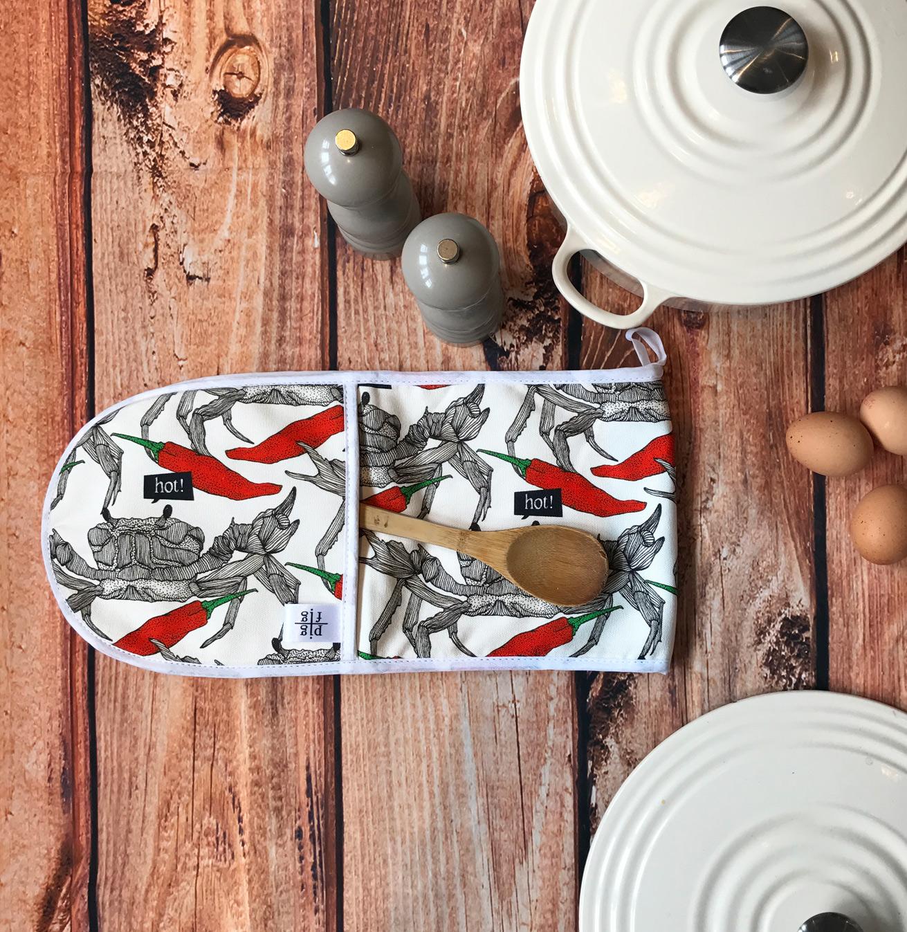 crab-and-chilli-oven-glove